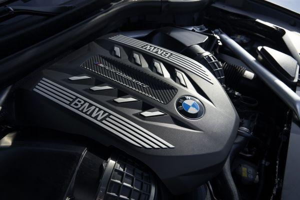 P90356722_lowRes_the-new-bmw-x6-inter.jpg
